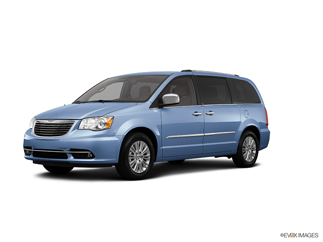 2013 Chrysler Town & Country Vehicle Photo in Gulfport, MS 39503