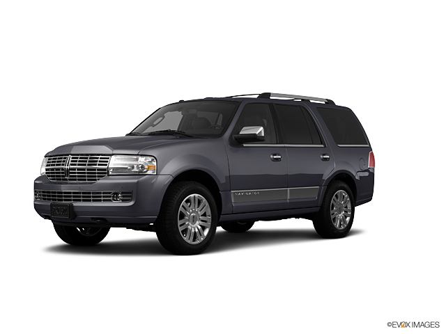 2013 LINCOLN Navigator Vehicle Photo in Tallahassee, FL 32308