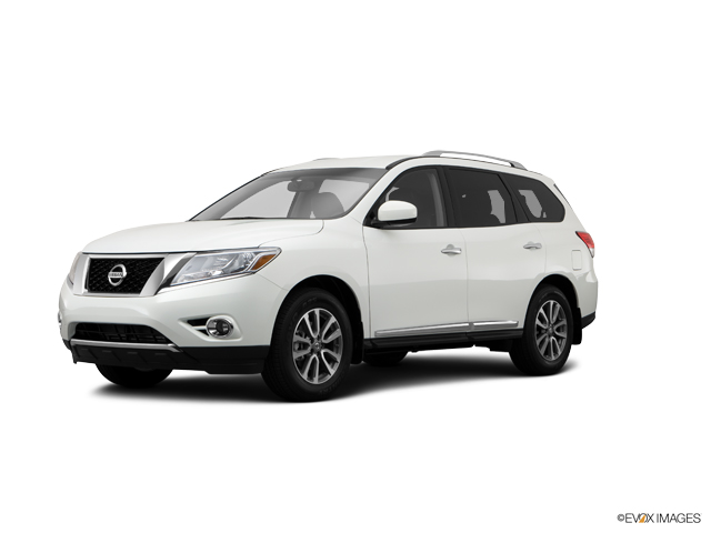 2014 Nissan Pathfinder Vehicle Photo in Moon Township, PA 15108