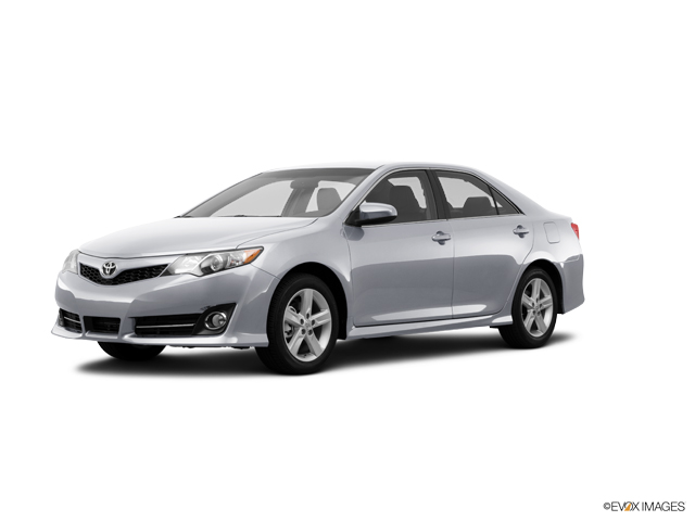 2014 Toyota Camry Vehicle Photo in Moon Township, PA 15108