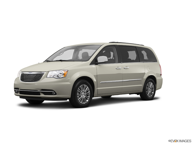 2014 Chrysler Town & Country Vehicle Photo in Burlington, WI 53105