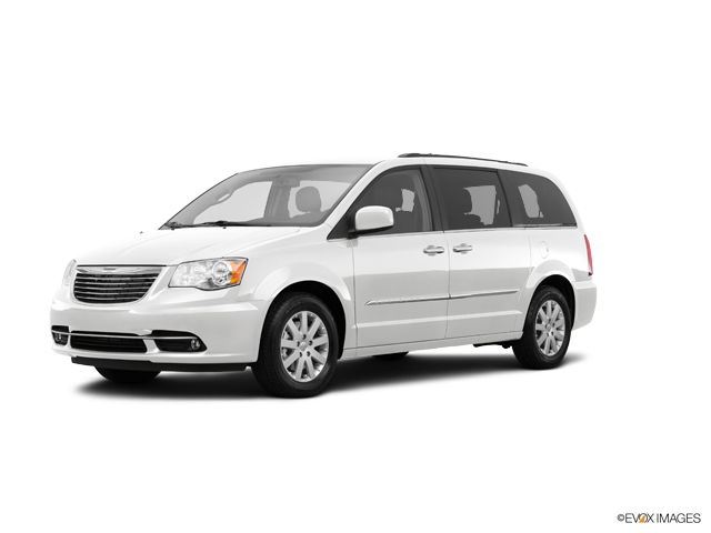 2015 Chrysler Town & Country Vehicle Photo in Joliet, IL 60435